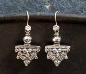 product-j25-silver-earring
